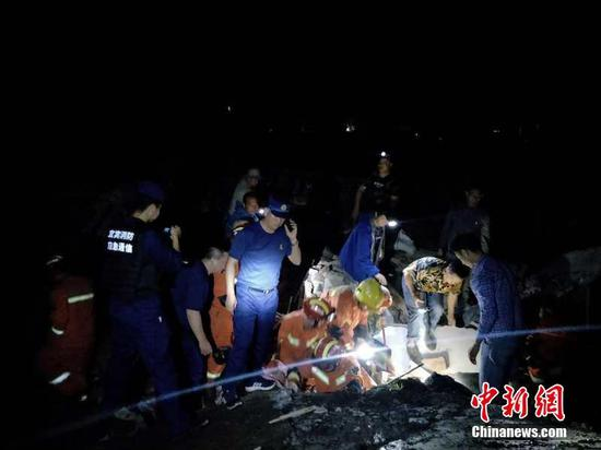 Sichuan rocked by 6.0-magnitude earthquake