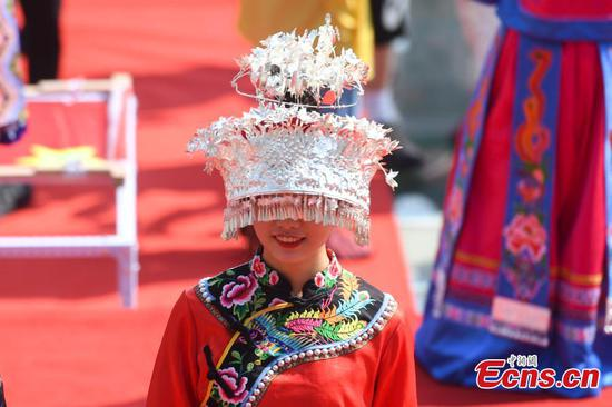 Embroidery competition held in Zhangjiajie