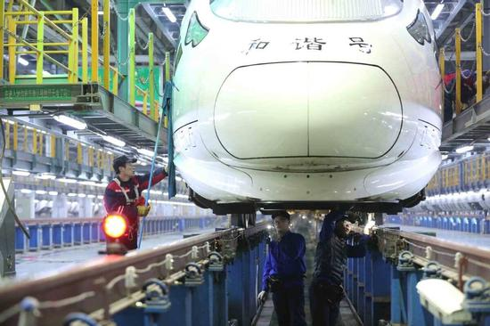 Train maintenance on track before Spring Festival travel rush